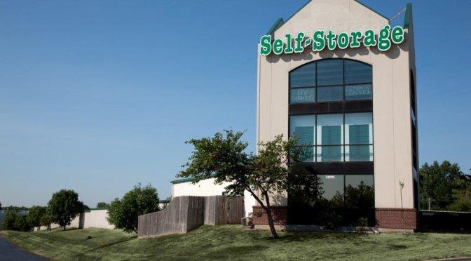 Central Self Storage facility in Kansas City, KS.